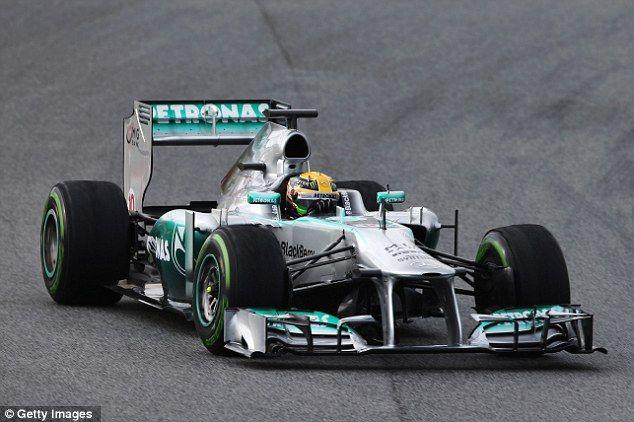 Hamilton conquista la prima posizione nelle qualifiche di Monza