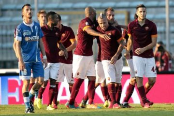 EMPOLI, ITALY - SEPTEMBER 13: Radja Nainngolan (C) of AS Roma celebrates after scoring a goal during the Serie A match between Empoli FC and AS Roma at Stadio Carlo Castellani on September 13, 2014 in Empoli, Italy.  (Photo by Gabriele Maltinti/Getty Images)