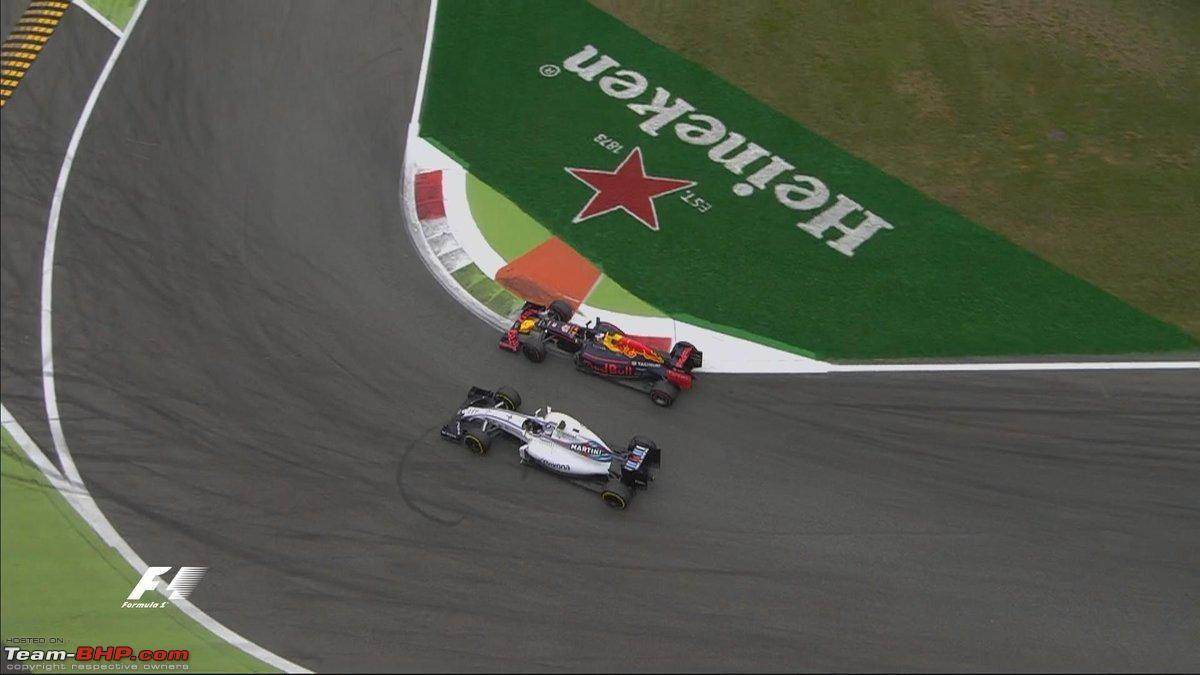 Il momento del bel sorpasso di Ricciardo ai danni di Bottas alla Prima Variante (foto da: team-bhp.com)
