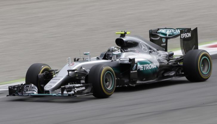 21° vittoria in carriera per Nico Rosberg, che vince il GP d'Italia 2016 (foto da: in.reuters.com)