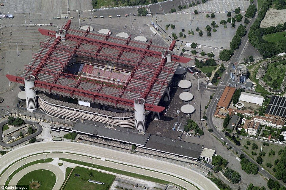 3490a5e500000578-3606437-an_aerial_view_of_the_san_siro_in_the_city_of_milan_jose_mourinh-a-2_1464092585832