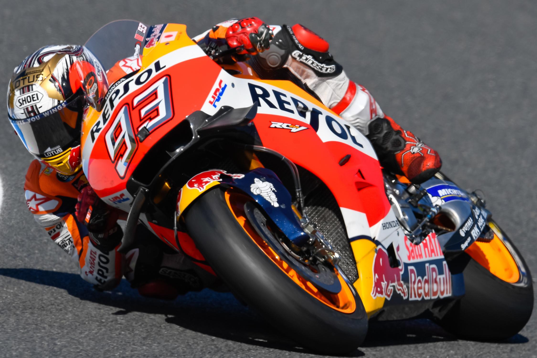 Marc Marquez, durante il vittorioso GP del Giappone di oggi (foto da: somoslamoto.com)