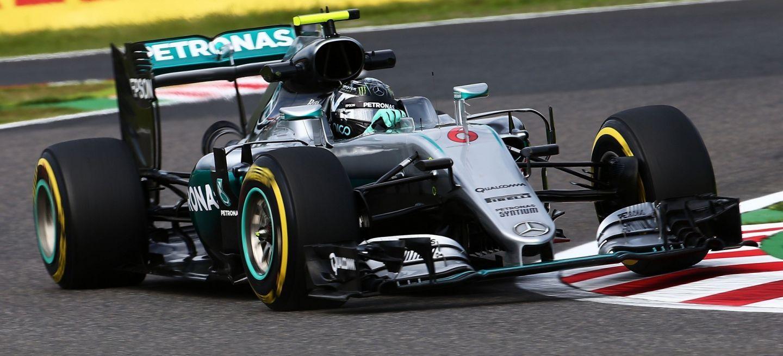 Terza pole di fila a Suzuka per Nico Rosberg, che precede Hamilton di soli 13 millesimi (foto da: diariomotor.com)
