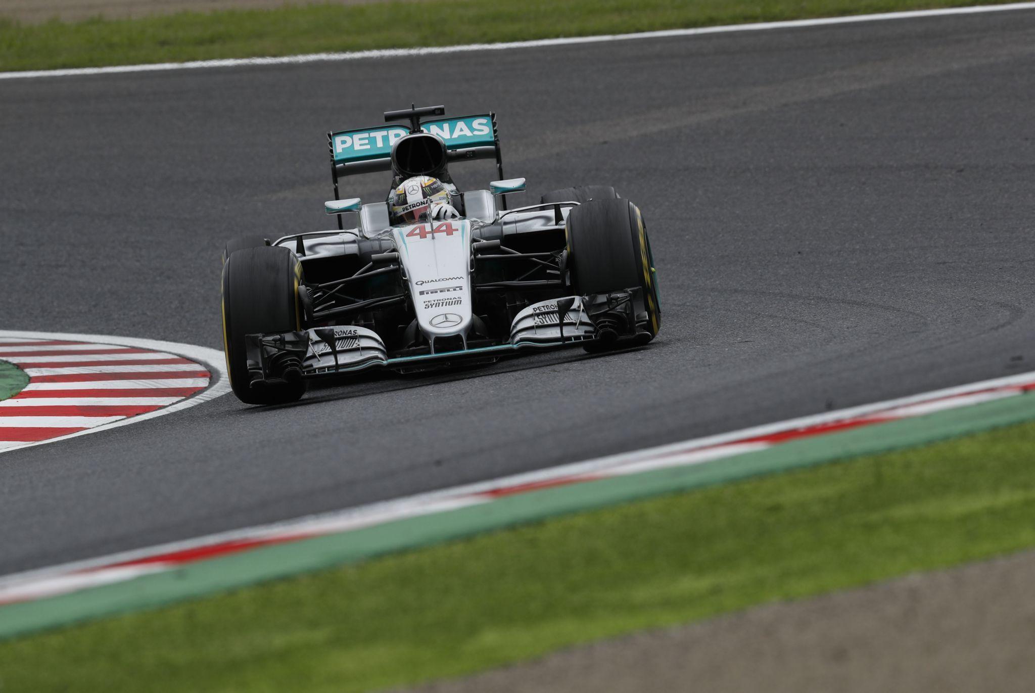 Dopo una partenza orribile, Lewis Hamilton è riuscito a rimediare in parte, risalendo fino al 3° posto (foto da: blog.mercedes-benz-passion.com)