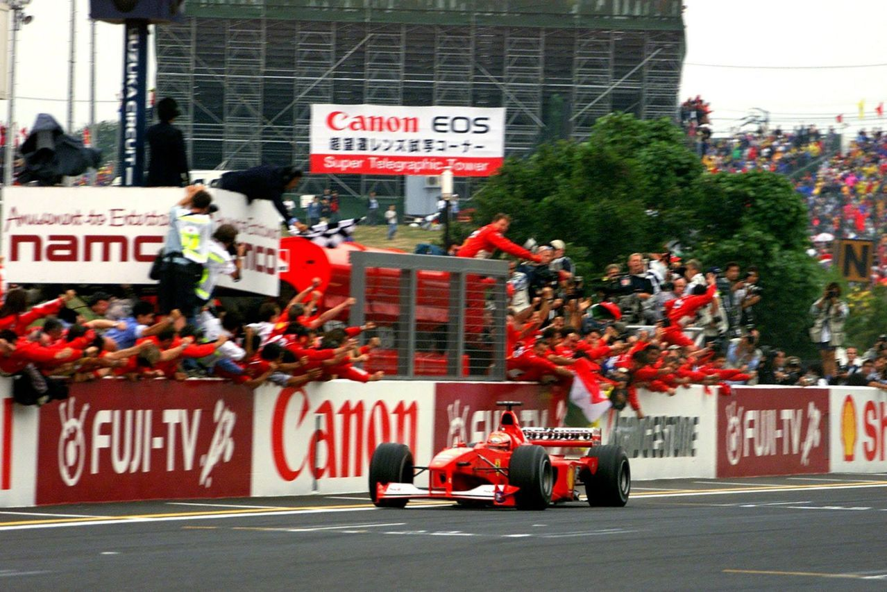 Un'astinenza lunga 21 anni finisce l'8/10/2000. Michael Schumacher e la Ferrari sono Campioni del Mondo (foto da: toplowridersite.com)