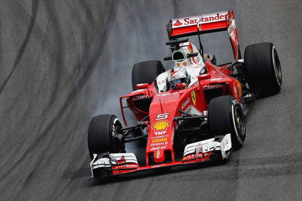 Vettel in bloccaggio, durante le libere di oggi ad Interlagos (foto da: zimbio.com)