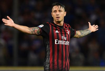 GENOA, ITALY - SEPTEMBER 16:  Gianluca Lapadula of AC Milan reacts during the Serie A match between UC Sampdoria and AC Milan at Stadio Luigi Ferraris on September 16, 2016 in Genoa, Italy.  (Photo by Valerio Pennicino/Getty Images)