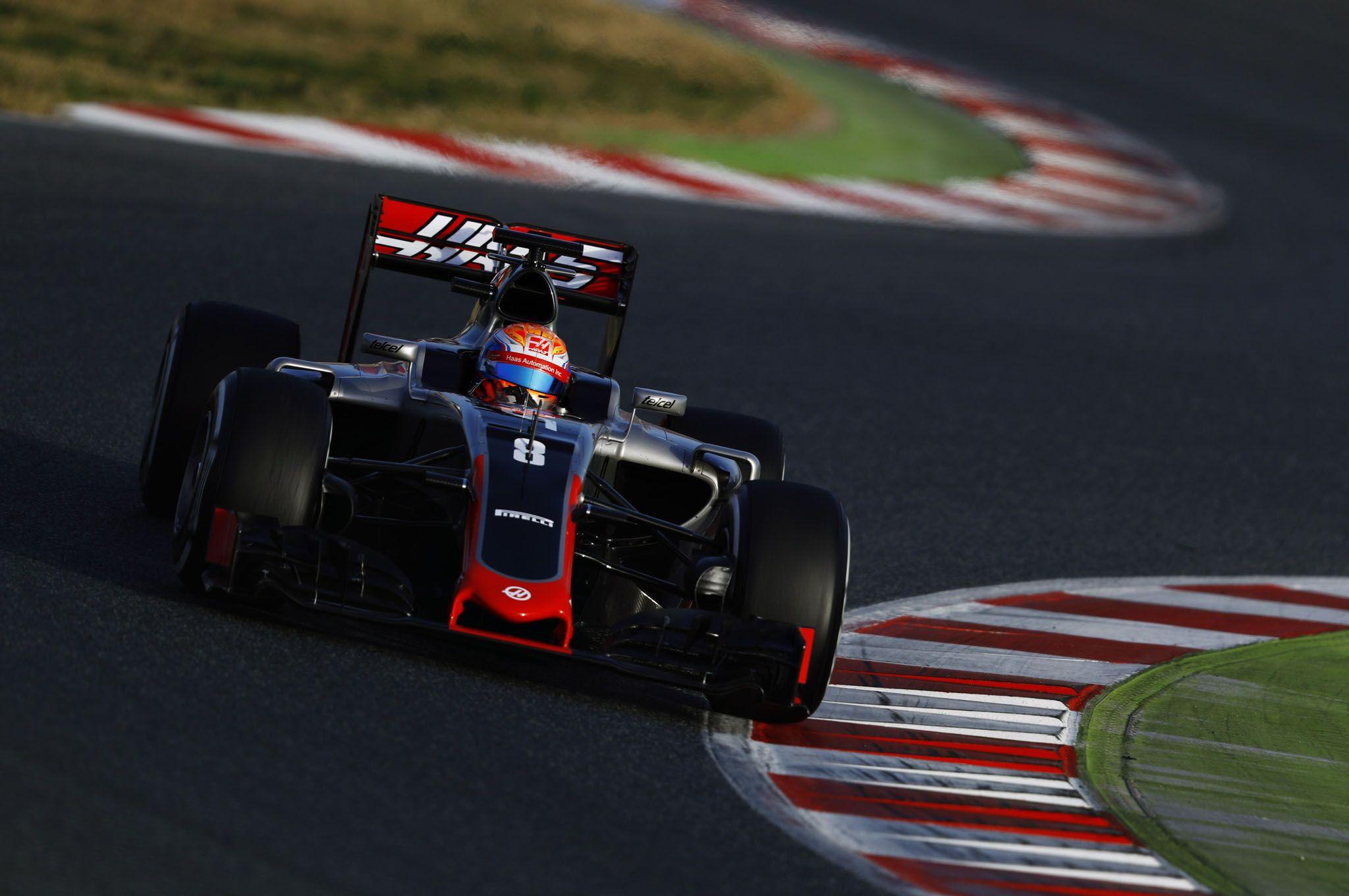 Romain Grosjean ha garantito alla Haas tutti i 29 punti conquistati nella prima stagione nel Circus del team americano (foto da: motortrend.com)