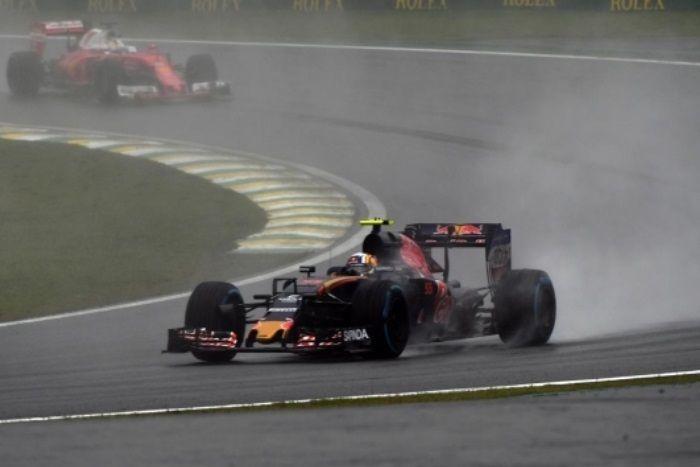 Carlos Sainz, al volante della STR11 durante il gran premio di domenica scorsa in Brasile, dove ha ottenuto un gran 6° posto, eguagliando il proprio miglior risultato stagionale, già ottenuto in Spagna e negli Stati Uniti (foto da: autoracing.com.br)