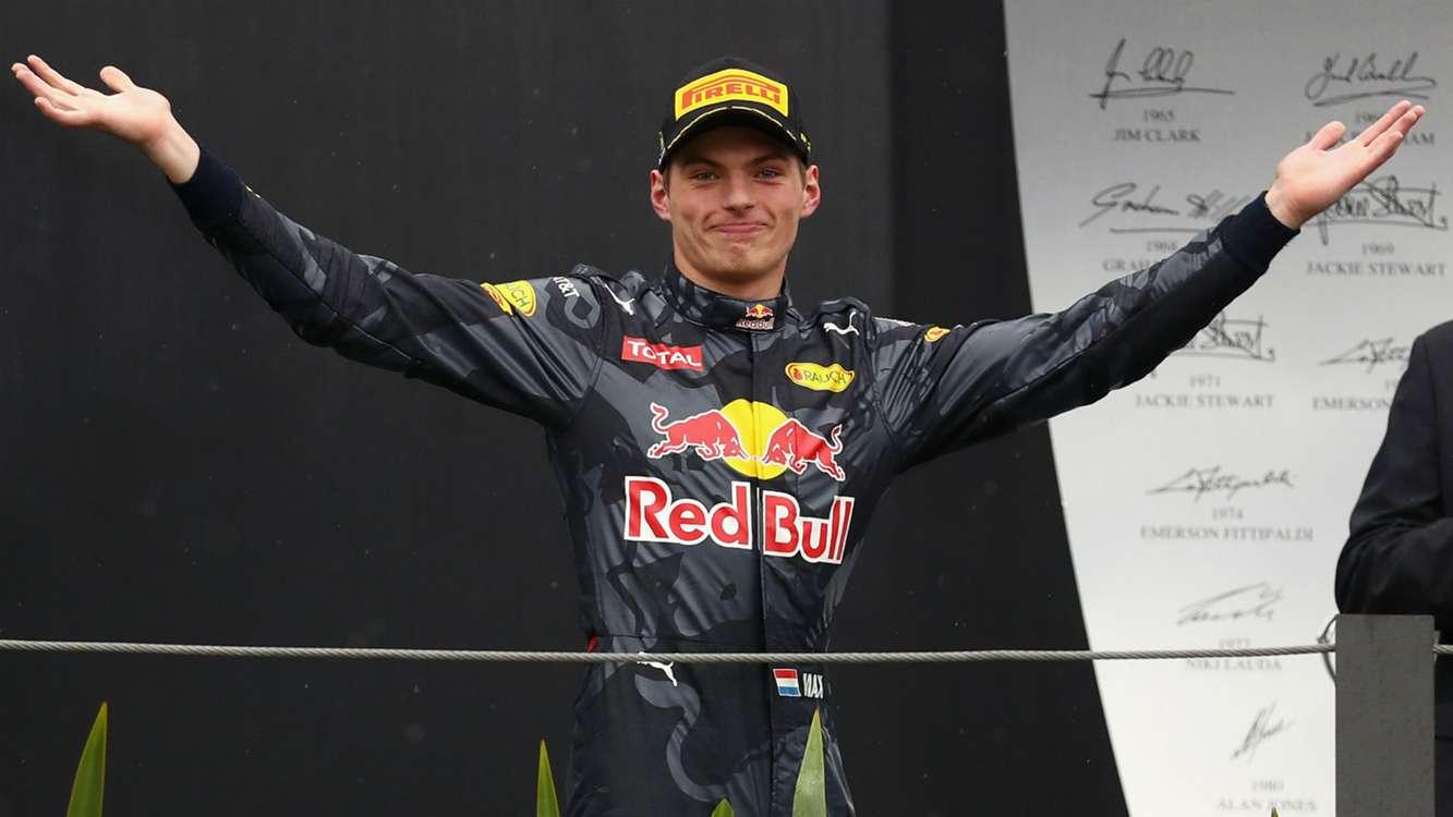L'espressione divertita di Max Verstappen sul podio di Interlagos, dopo la splendida rimonta di oggi (foto da: sportal.co.nz)
