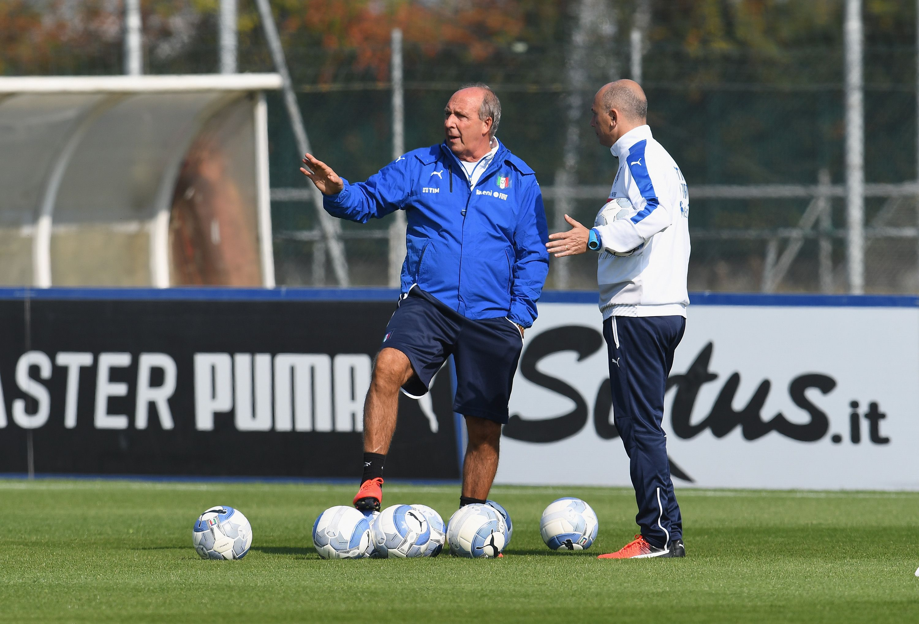 VINOVO, ITALY - OCTOBER 07:  Head coach Giampiero Ventura attends an Italy training session at Juventus Center Vinovo on October 7, 2016 in Vinovo, Italy.  (Photo by Claudio Villa/Getty Images)