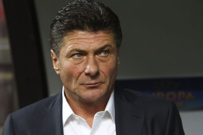MILAN, ITALY - OCTOBER 23:  FC Internazionale Milano coach Walter Mazzarri looks on before the UEFA Europa League group F match between FC Internazionale Milano and AS Saint-Etienne on October 23, 2014 in Milan, Italy.  (Photo by Marco Luzzani/Getty Images)