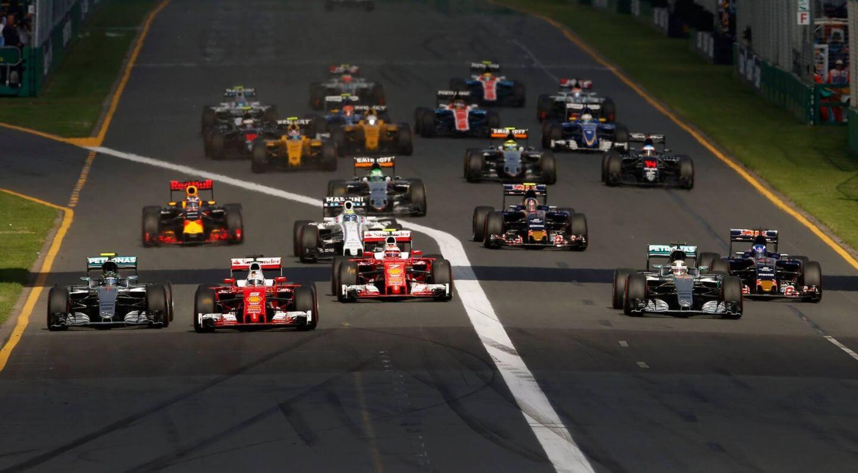 La partenza del GP d'Australia 2016. Come ormai di consuetudine, l'Albert Park ospiterà la gara d'apertura del Mondiale (foto da: cyrkf1.pl)