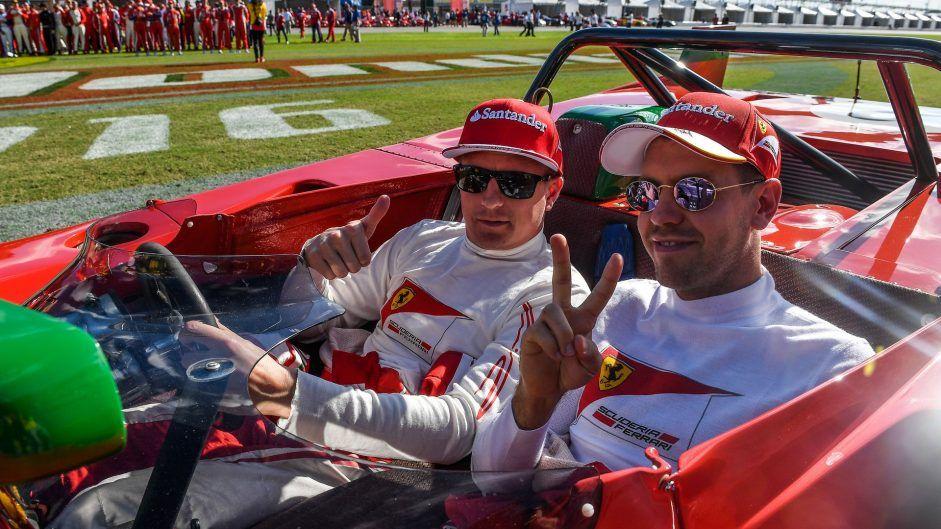 Kimi Raikkonen e Sebastian Vettel, alle Finali Mondiali Ferrari di Daytona (foto da: f1fanatic.co.uk)