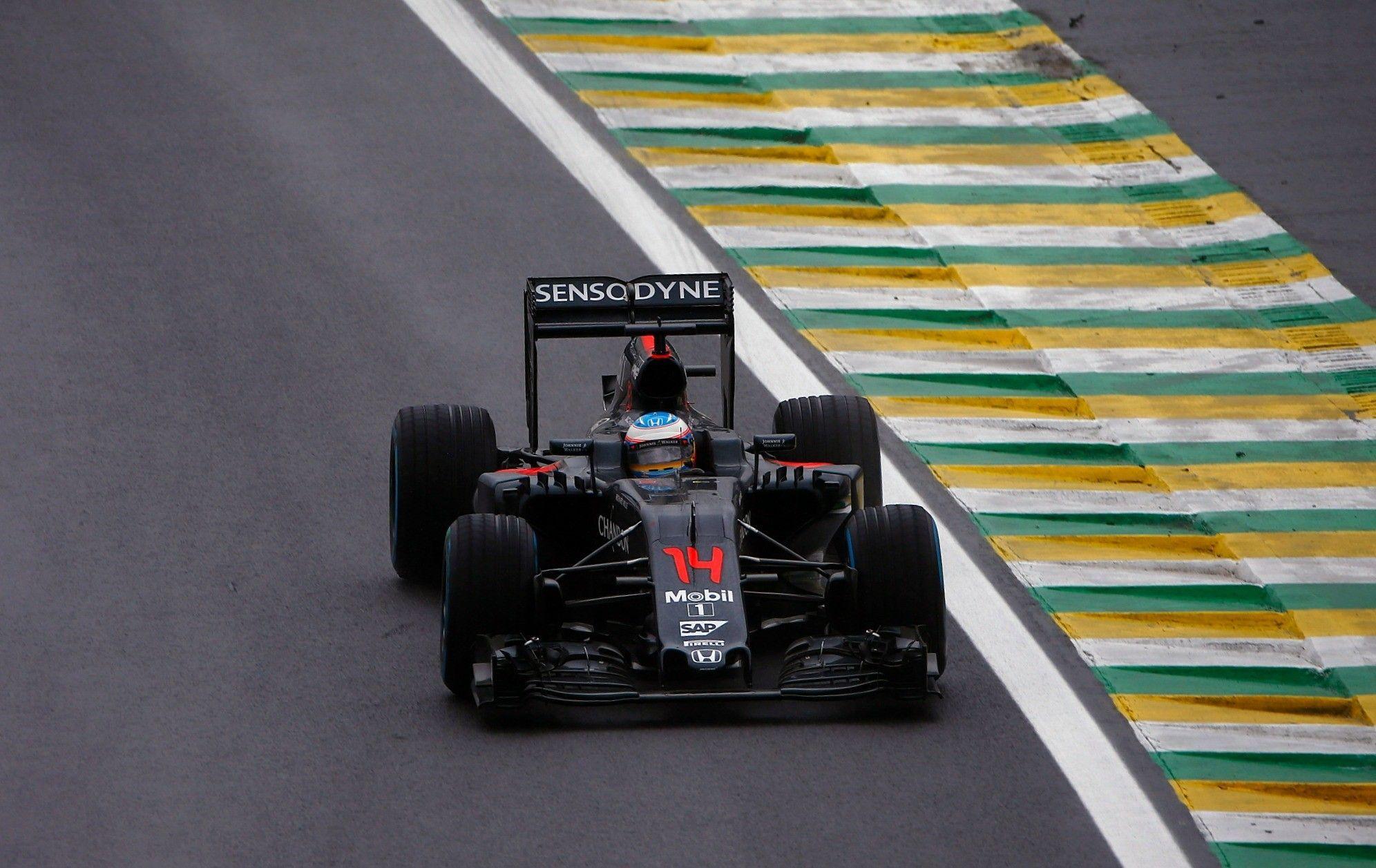 Un'annata da combattente, limitato da una McLaren ancora troppo poco competitiva. Può riassumersi così il 2016 di Alonso (foto da: eurosport.fr)