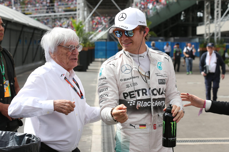 Bernie Ecclestone a colloquio con Nico Rosberg (foto da: web.de)