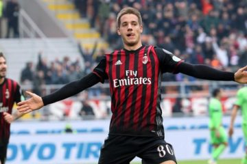 Milan's midfielder Mario Pasalic jubilates after scoring the 1-1 goal during the Italian serie A soccer match between Ac Milan and Fc Crotone at Giuseppe Meazza stadium in Milan, 4 December 2016. ANSA / MATTEO BAZZI