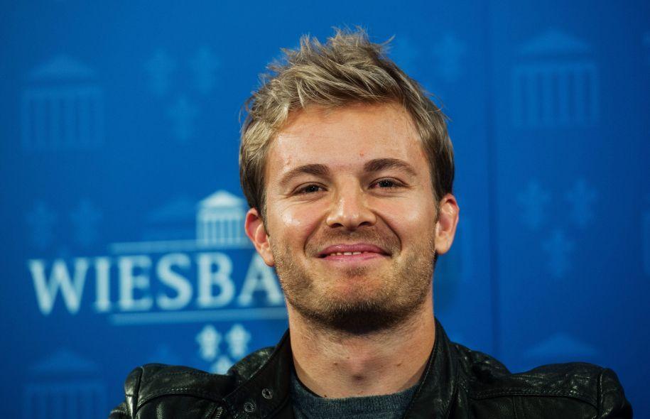 Il sorriso di Nico Rosberg, ormai ex pilota, nonchè Campione in carica di Formula 1 (foto da: ledevoir.com)