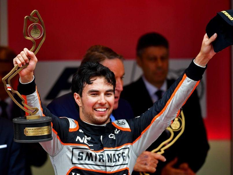La felicità di Sergio Perez, 3° nel Principato. Con Hulkenberg, il messicano ha condotto la Force India ad uno storico 4° posto Costruttori (foto da: sports.ndtv.com)