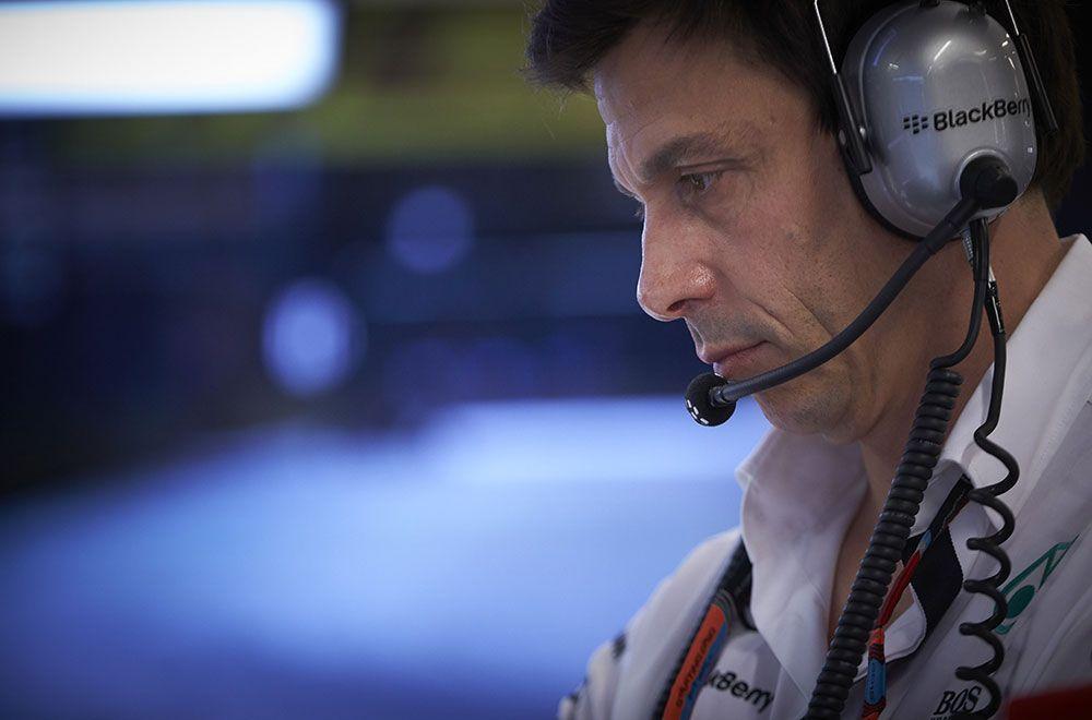 Il team principal Mercedes, Toto Wolff, attualmente impegnato con la grana del sostituto di Rosberg (foto da: autosport.pt)