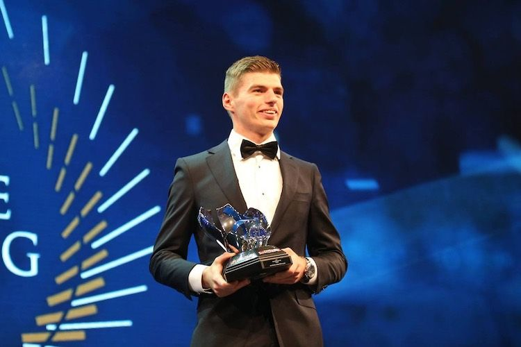 Max Verstappen, premiato ai FIA Awards 2016 (foto da: autoblog.nl)