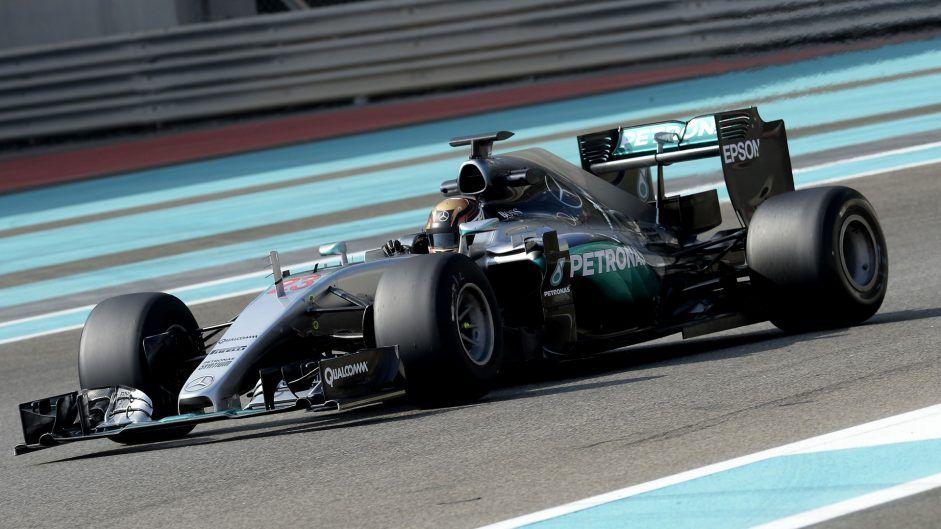 Pascal Wehrlein, al volante della Mercedes durante i test con le Pirelli 2017 dopo il gran premio conclusivo di Yas Marina (foto da: f1fanatic.co.uk)