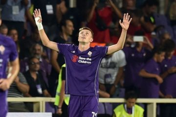 during the Serie A match between ACF Fiorentina and AC Milan at Stadio Artemio Franchi on August 23, 2015 in Florence, Italy.