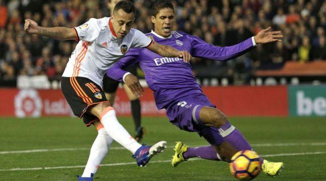 Varane saluta il Real Madrid e vola al Manchester United.