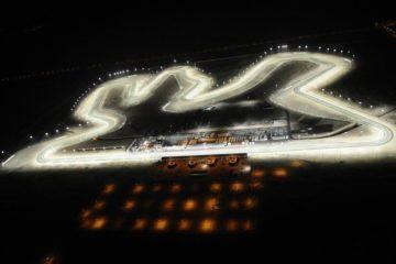 Suggestiva immagine notturna del circuito di Losail (Foto da: twitter.com)