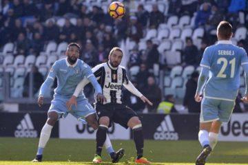 Higuain_Wallace_Juventus_Lazio_lapresse_2017_thumb660x453