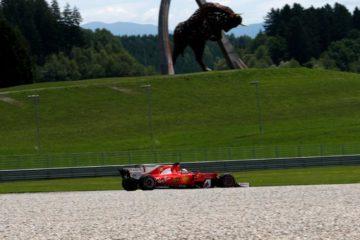 Sebastian Vettel scatterà domani dalla seconda piazzola in Austria. Con Hamilton 8°, il tedesco avrà una grande occasione per incrementare il margine sul rivale (foto da: autobild.es)