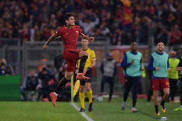 Perotti esulta dopo la rete del 3-0 al Chelsea