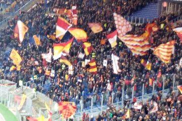 Curva sud, durante Roma - Cagliari (foto Esclusiva Stadiosport.it del nostro inviato Veronica Martella) ©RIPRODUZIONE RISERVATA