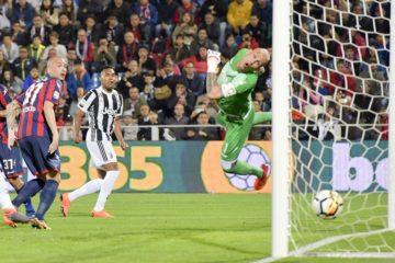 """L'istante del gol di Alex Sandro, fonte profilo """"Twitter"""" ufficiale della Juventus"""