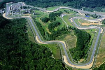 Vista dall'alto del circuito ceco di Brno (foto da: gotobrno.cz)