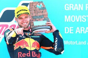 Seconda vittoria nel 2018 per il sudafricano Brad Binder che, nella gara della Moto2 a Motorland Aragón, precede gli italiani Francesco Bagnaia e Lorenzo Baldassarri (foto da: motogp.com)