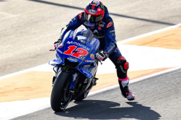 Maverick Vinales (che ha sfoggiato il nuovo #12) è stato il più rapido al termine della prima giornata di test collettivi al Ricardo Tormo di Valencia (foto da: twitter.com/MotoGP)