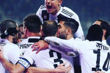 Esultanza di Dybala e dei suoi compagni al rigore trasformato da Ronaldo Fonte: Twitter Juventus