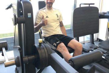 """Bonucci in palestra dopo l'infortunio, foto postata su """"Twitter"""" dallo stesso giocatore"""