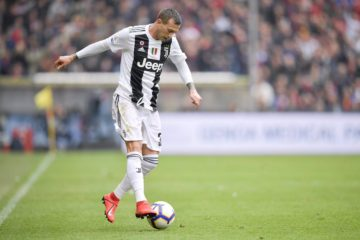Bernardeschi in azione durante la partita di Marassi. Fonte: Twitter Juventus FC