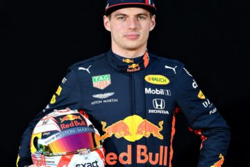 Verstappen con il suo casco prima del weekend in Australia. Fonte: Twitter Verstappen
