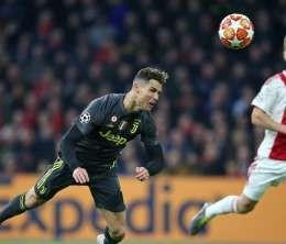 Cristiano Ronaldo realizza il gol del vantaggio contro l'Ajax
