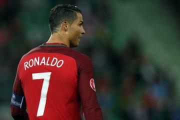 Ronaldo con la maglia del Portogallo