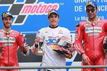 Dovizioso, assieme a Marquez e Petrucci nel podio di Le Mans.  Fonte: Twitter Dovizioso