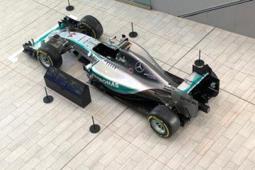 La Mercedes di Hamilton con cui è riuscito a vincere nel 2015 il mondiale.  Fonte: Twitter Mercedes