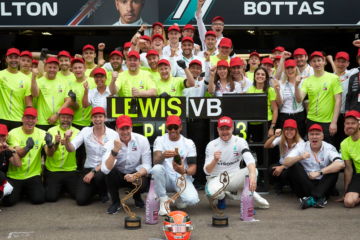 Sesta gara del 2019 e sesta festa per la Mercedes, anche se non è doppietta come nelle prime cinque uscite (foto da: twitter.com/MercedesAMGF1)