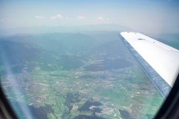 Bottas inquadratura dall'aereo che lo porta sulla pista di Spielberg in Austria.  Fonte: Twitter Bottas