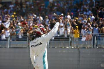 Hamilton festeggia e ringrazia il pubblico francese, dopo la vittoria di oggi. Fonte: Twitter Hamilton