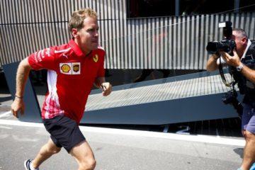 Vettel corre nel circuito di Spielberg prima di salire in vettura per i giri liberi. Fonte: Twitter Vettel