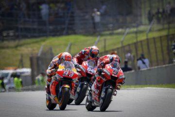 I tre grandi protagonisti del Gran Premio d'Italia, i due ducatisti Danilo Petrucci ed Andrea Dovizioso, e Marc Marquez (HRC) (foto da: motogp.com)